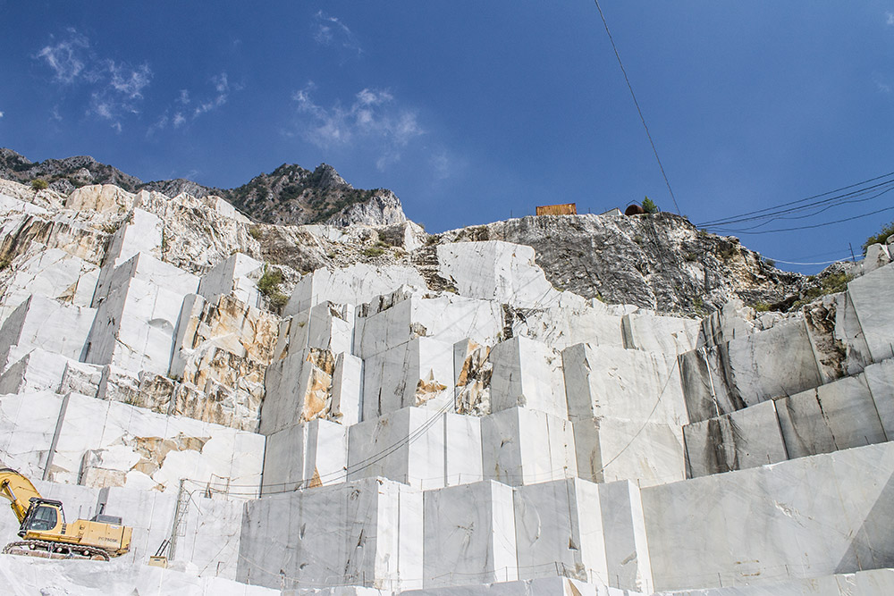 granturismo_makingof_carrara_marble_quarry_01